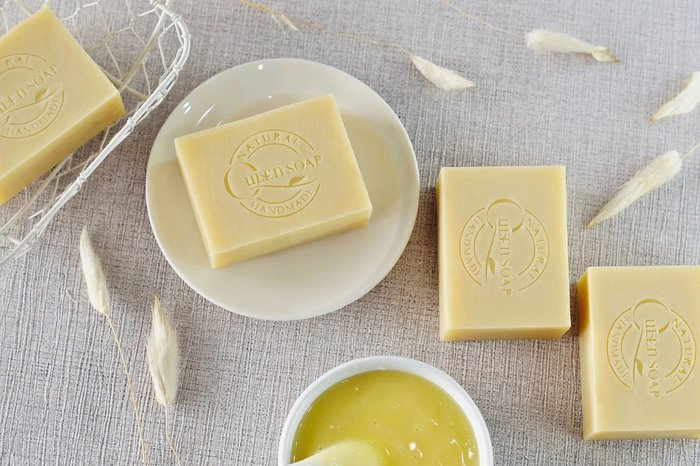 女王天然手工皂「蜂王乳-膠原蛋白精華皂」  手工香皂  手工肥皂 冷製手工皂