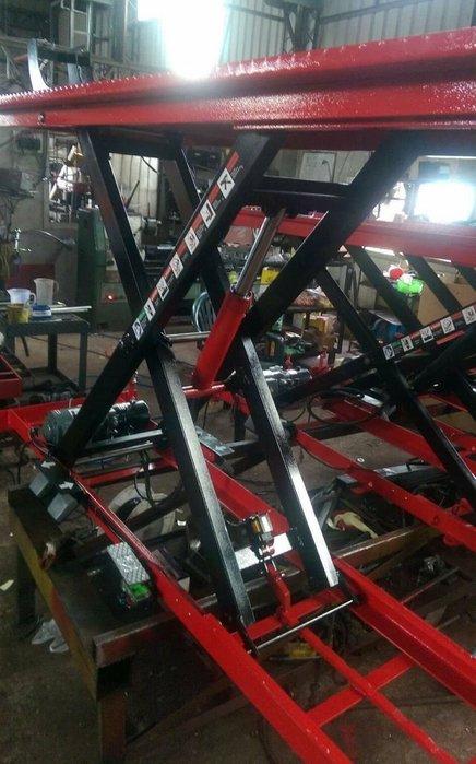 【鎮達】機車維修必備~ 電動式500  機車升降機  工作台尺寸:70*210 公分