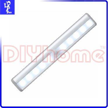 [DIYhome] LED 人體紅外線感應燈 電池式 10顆 LED 白光 自動感應燈壁燈 免電池免拉線 Y503972