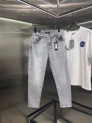 「嘎小姐的店」BALMAIN - 2021/06月新款* 字母logo圖案設計水洗灰藍色九分牛仔褲 - 有尺寸表