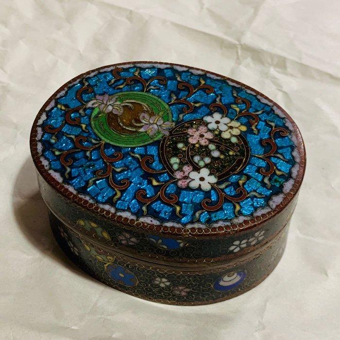 [輕·古物]掐絲琺瑯花卉橢圓型首飾盒飾品盒C6571 珍稀少見
