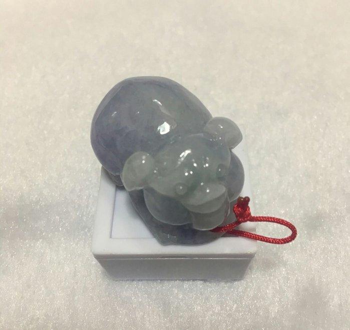 珍奇翡翠珠寶-首飾玉墬系列-冰春彩艷紫羅蘭小豬。諸事如意。附證書