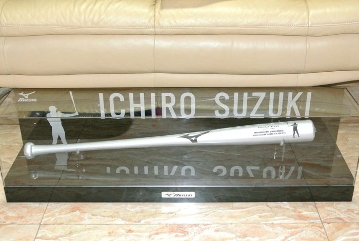 貳拾肆棒球--日本帶回ICHIRO鈴木一朗4千安紀念球棒限定品MIZUNO 製作