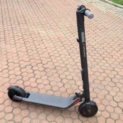 Ninebot 九號電動滑板車 2018新款 ES2 運動版 電動滑板車成人代步 兩輪折疊車 小米電動滑板車 可外掛電池