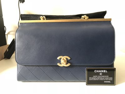 CHANEL Flap Bag with Top Handle A57088 Y83370 4B539 頂部手柄皮瓣袋 海軍藍 羊皮 19×10×30cm
