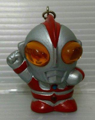 龍廬-自藏二手出清~懷舊公仔-軟膠公仔超人力霸王 Q版鹹蛋超人奧特曼塑膠公仔鑰匙圈/只有一個