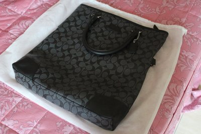 COACH 經典LOGO防水PVC折疊兩用包-灰黑色