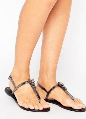 ◎美國代買◎ASOS寶石排列裝飾T字皮帶低調華麗寶口夾腳平底涼鞋~歐美街風~大尺碼