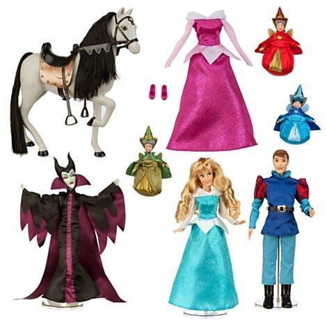 【美國大街】美國迪士尼睡美人奧蘿拉芭比飛利浦王子皇后神仙教母馬衣服組 【禮盒組】