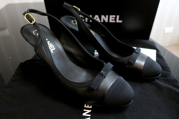 *Beauty*CHANEL香奈兒黑色經典款高跟鞋39.5  號 12000 元SUNNY