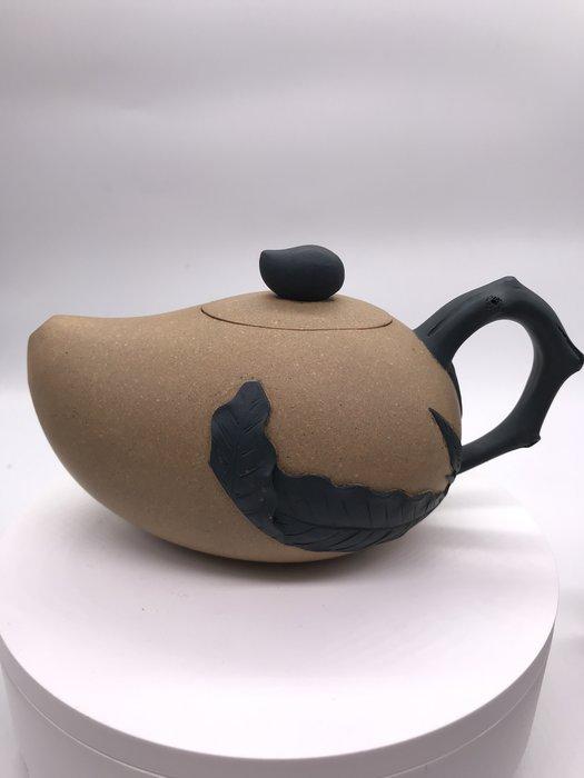 1980年芒果段泥茶壺