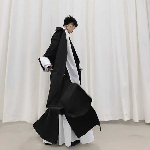 FINDSENSE 2019 秋季上新 G19 素面襯衫 暗黑日系超長款黑白個性百搭黑色襯衫 男裝 上衣