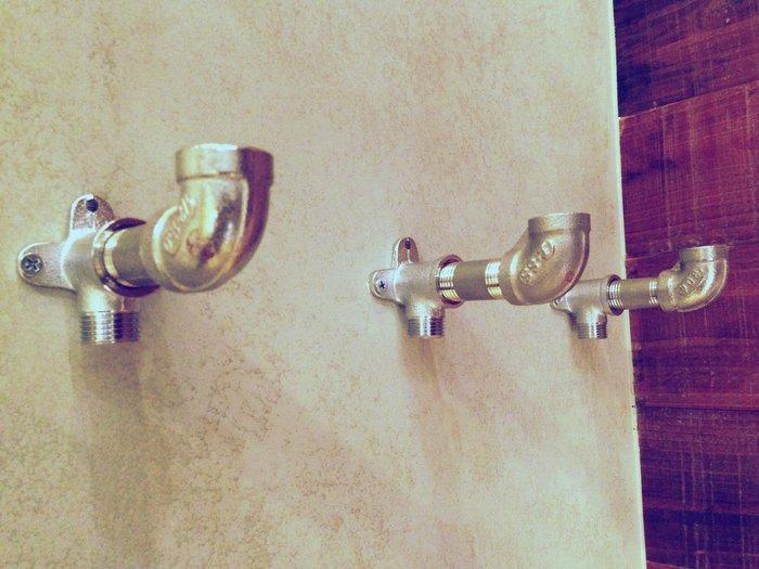尼克卡樂斯~復古loft金屬水管衣帽掛鈎(單鉤) 工業風衣架 更衣室掛勾 吊衣架 壁掛鉤架