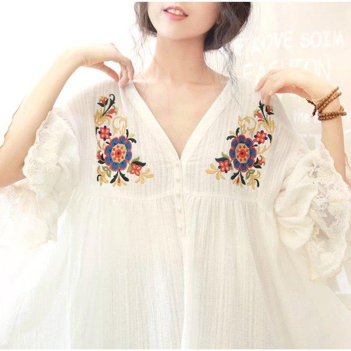 公主袖 棉麻 襯衫 V領 刺繡  宮廷 蕾絲 奶白色 上衣 ~ 1610