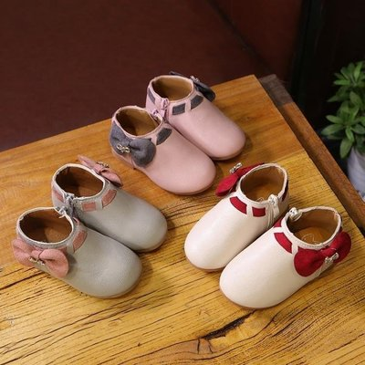 ZIHOPE 女童靴 兒童皮鞋女童單鞋可愛蝴蝶豆豆鞋軟底公主鞋韓版水鑚女童靴子ZI812