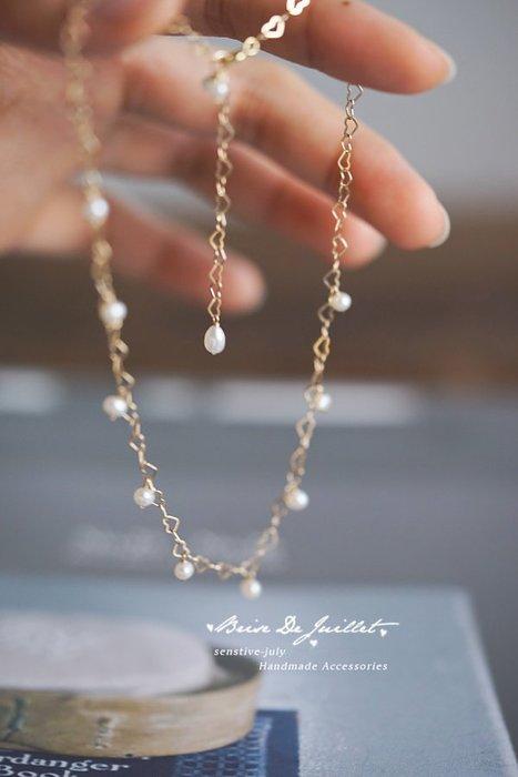 FJ58-法式手工輕珠寶-鏤空小愛心極簡風。淡水小珍珠choker短鏈項鍊耳環皮帶長夾LV包