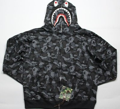 全新正品 2015  BAPE AAPE 日本青山店限定款 黑魂 迷彩鯊魚外套