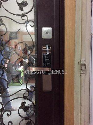 電子鎖 YALE 7116 台中 指紋鎖 密碼門鎖 防盜 電子鎖 鑰匙 大門鎖 門鎖 鎖 dr708 samsung