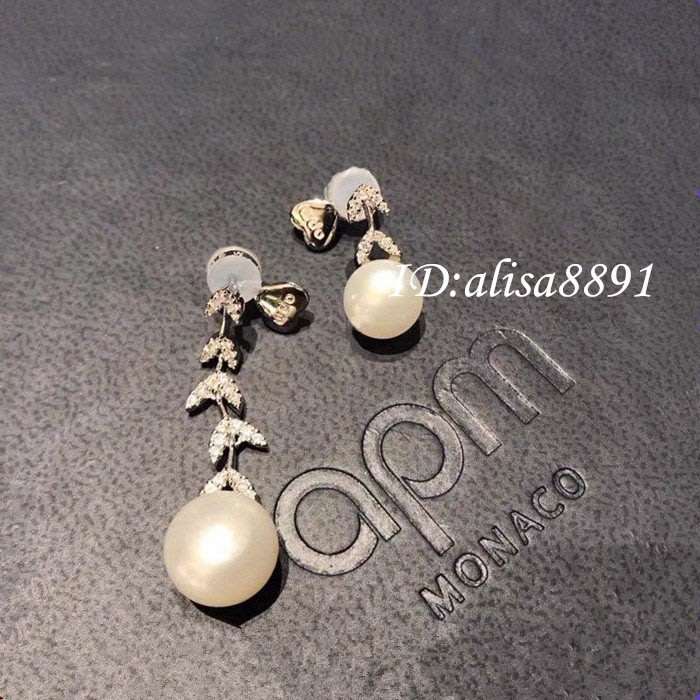 APM Monaco珍珠不對稱花瓣耳環 純銀鑲晶鑽吊墜耳釘 女生耳飾 珍珠耳環 穿洞式 優雅時尚精品禮物