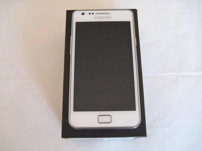 三星主打視覺效果的旗艦智慧型手機 SAMSUNG GALAXY S2 i9100 極致強大效能 + 三星獨家整合服務