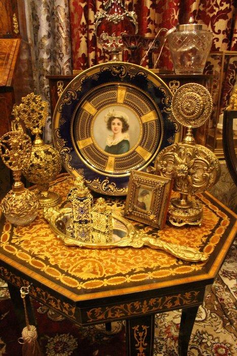 【家與收藏】特價稀有珍藏歐洲古董法國古典巴洛克Baroque優雅天使華麗金浮雕銅手鏡