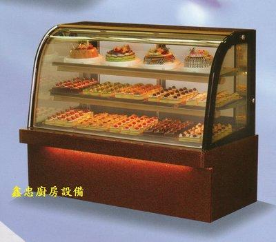 鑫忠廚房設備-餐飲設備:五尺落地型弧形蛋糕櫃-賣場有西餐爐-烤箱-水槽-工作檯