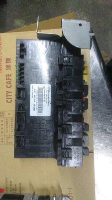 W211 E350 模組 電腦 保險絲盒 2115455001