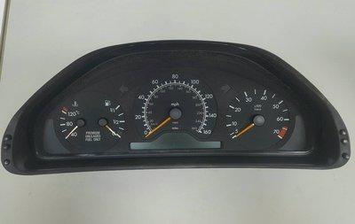 BENZ W210 M104 1996-1997 儀表總成 儀錶 USA (時速 160MPH) 2105401847