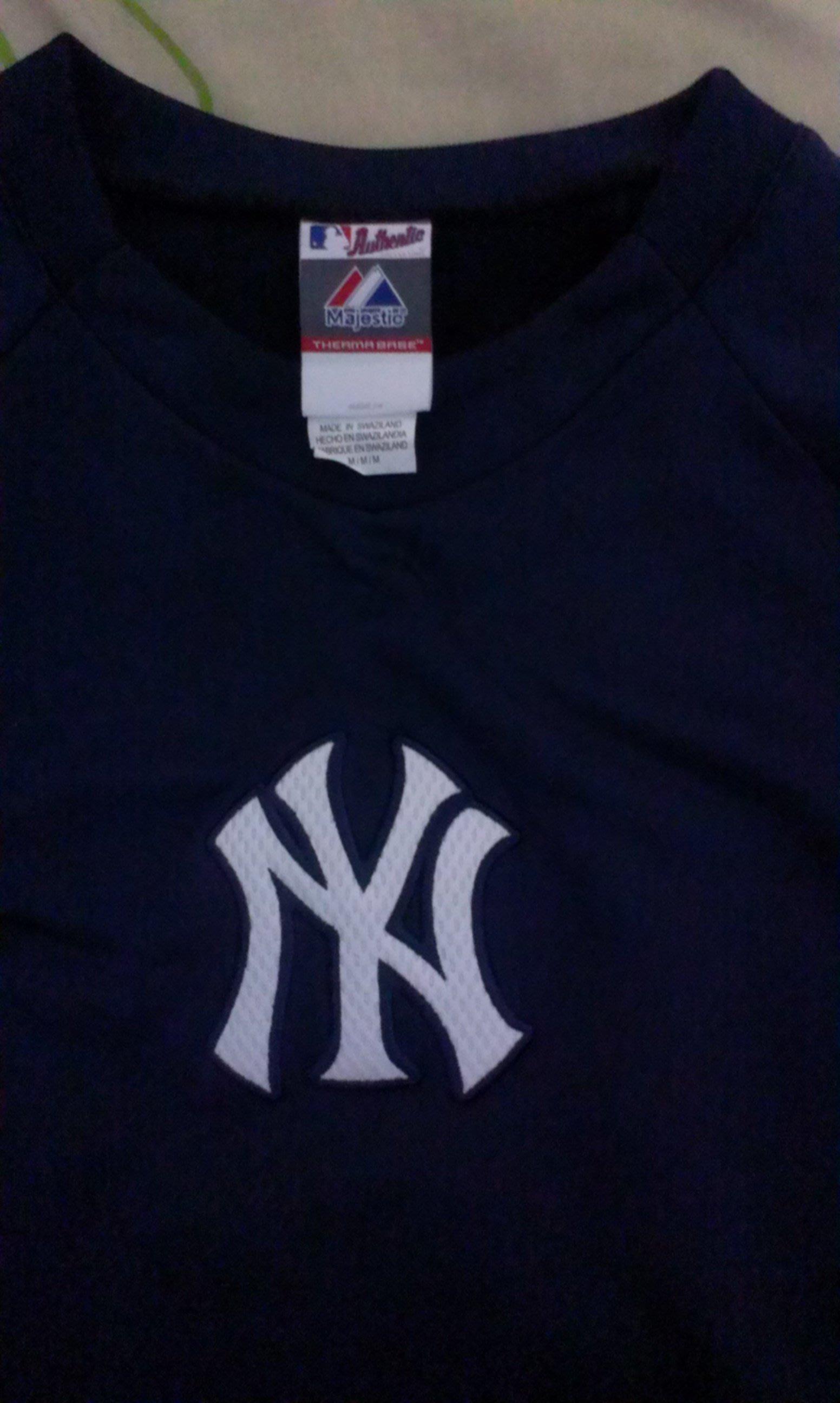 MLB~yankees紐約洋基球員版 長袖套頭衫 M號