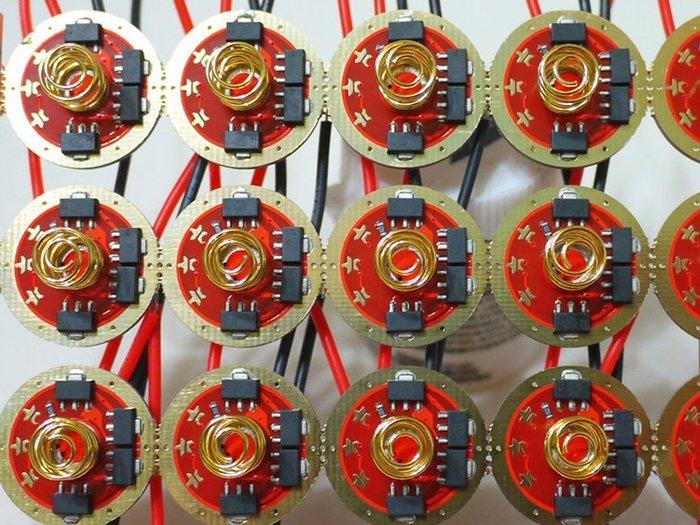 新版7135*8可自定義 20mm (4組13檔恆流記憶功能驅動板)低電壓警示 反接保護CREE XM-L2 T6 U2