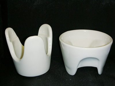T.全新組合式陶瓷燃燭式燭台杯組!!--郭元益製提供給需要的人!/黑箱49/-P