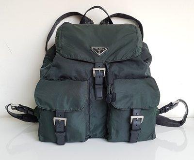 PRADA  三角鐵牌  LOGO 經典款式   後背包