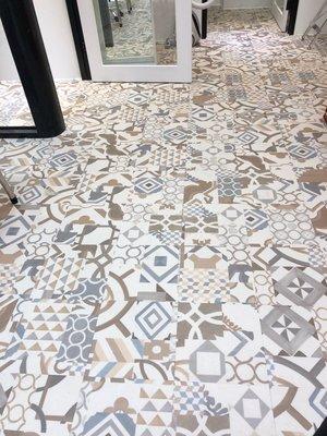 RADY FLOOR品牌~超耐磨時尚微導角花磚塑膠地板每坪2200元起**時尚塑膠地板賴桑**