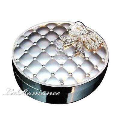 【芮洛蔓 La Romance】相戀今生菱格紋系列水鑽蝴蝶結橢圓形珠寶盒 / 首飾盒 / 置物盒