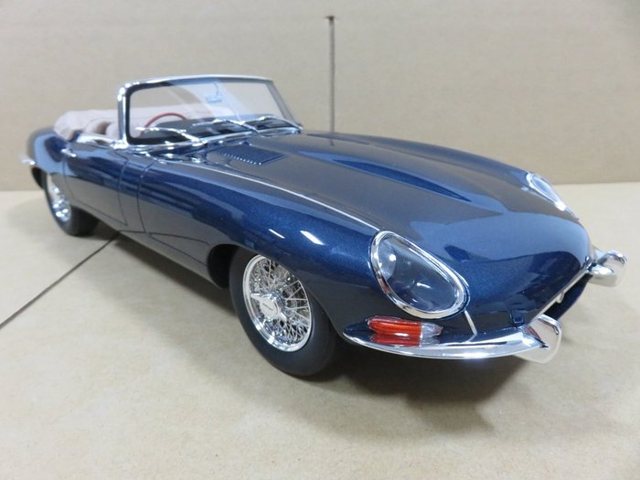=Mr. MONK= 1/12 GT SPIRIT Jaguar E-Type Roadster