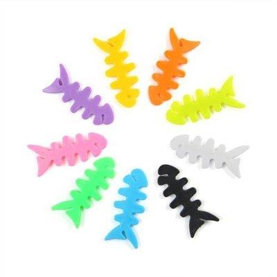洛克潮流館◎ 魚骨頭耳機整理器(1個1元) 魚骨繞線器 小魚理線器 耳機線捲線器 耳機繞線器 集線器 綁線器