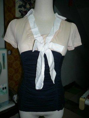 [ ] 短袖V領有領雙拼色蝴蝶結抓皺縮腰顯瘦上衣 柔軟有彈性 上班族OL服裝上衣