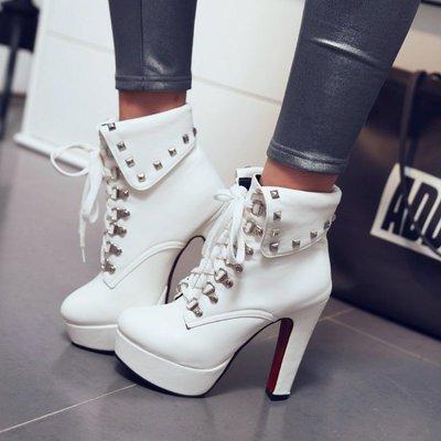 【明良精品】TAG-J-6時尚風格/PU皮革面料/皮帶扣金屬裝飾/高跟短筒靴鞋(超大碼46~48碼=1195元)