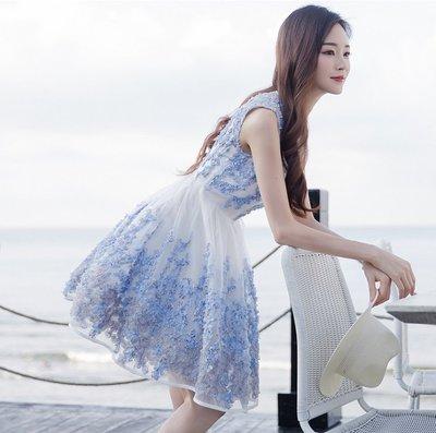 無袖洋裝圓領白底藍色紗帶花朵刺繡顯白無袖洋裝許願魔鏡@wishing Mirror-*-401796