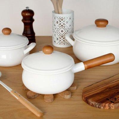 《齊洛瓦鄉村風雜貨》日本zakka雜貨 日本製野田琺瑯牛奶鍋 含蓋子牛奶盅 IH可對應琺瑯小鍋 白琺瑯鍋