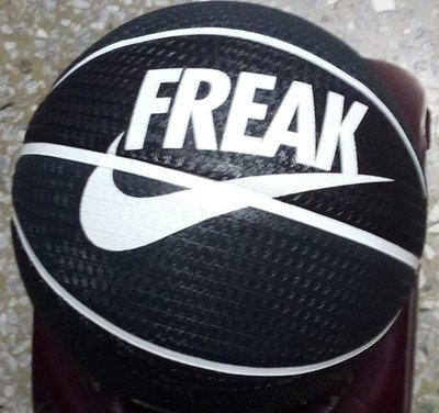 NIKE籃球 (N100413903807黑) 7號球 NBA公鹿隊球星字母哥代言款 室內外都可打 正品 附籃網球針P4