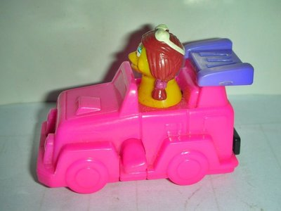 A商.(企業寶寶公仔娃娃)少見2000年麥當勞發行魔幻賽車尺-大鳥姐姐逍遙吉普車!--距今已有19年!