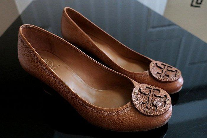 *Beauty*TORY BURCH棕色皮革LOGO經典包鞋 9號 ADA 原價11980元