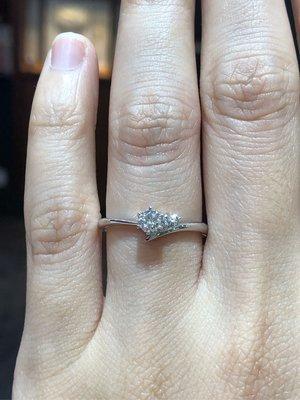 總重22.8分天然鑽石鉑金婚戒,日本手工製作戒台,I-primo經典品牌,超值優惠價23800,只有一個