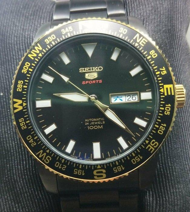 OQ精品腕錶   日本精工機械自動上鍊錶水晶鏡面底部水晶鏡面防水100米不含龍頭44MM全新錶框是黄金色盒子保單完整行走正常