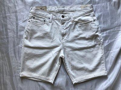 【天普小棧】HOLLISTER HCO Classic Fit Denim Shorts反折牛仔短褲米白色33腰現貨抵台