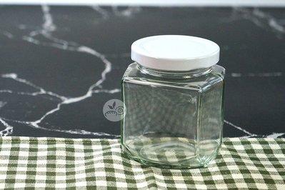 四方微六角瓶288C.C(白蓋)_HS-RP83◎玻璃.六角.玻璃瓶.收納.瓶罐.糖果.餅乾.零食.包裝.白蓋 台南市
