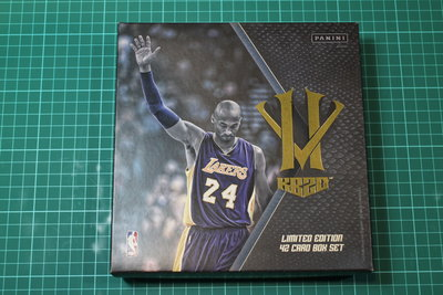Kobe Bryant 英雄惡棍紀念套卡 含外盒 未拆封兩包共42張 Hero Villain 如圖四兩種