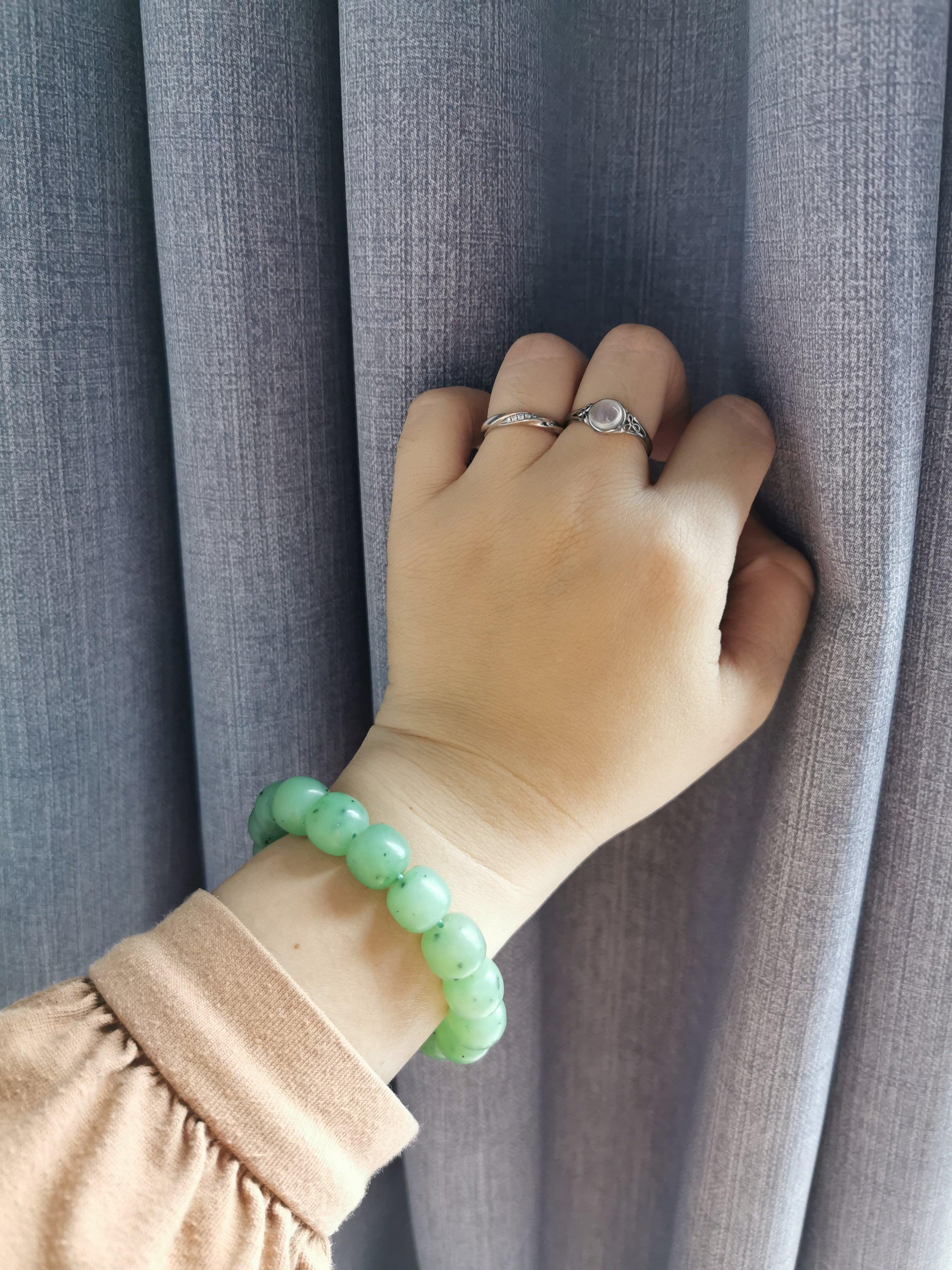 心兌悅 和田玉 俄碧 烏蘭海 淺果綠 10.7*11.8 老型 手串