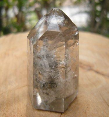 [集雅舍][天然幽靈小水晶柱] 高4.2公分,寬2.5公分,重量32公克